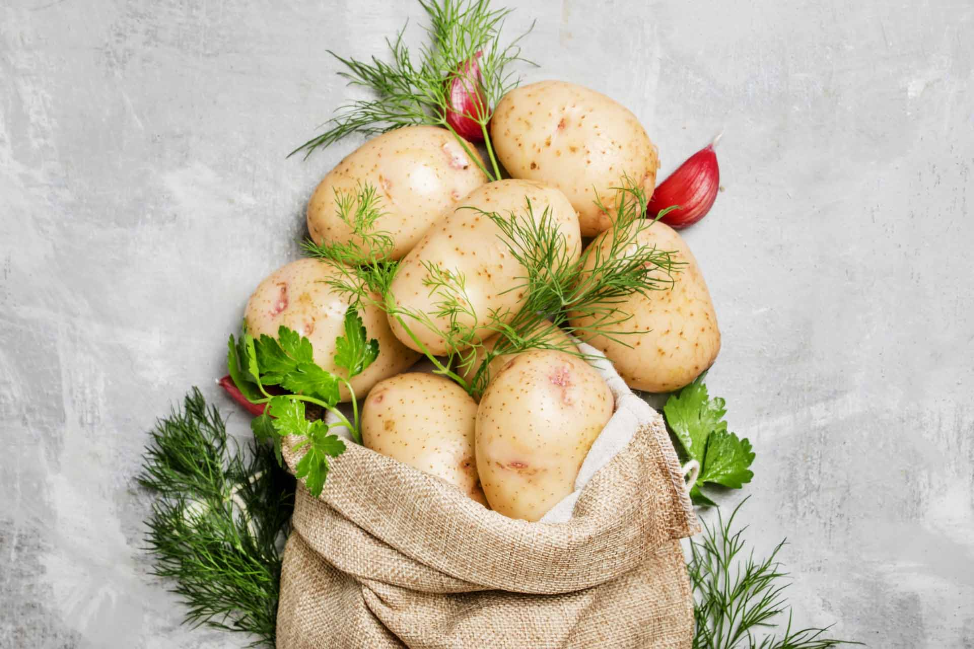ведро картошки с куста